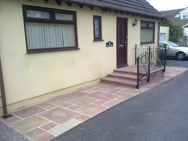 4 sizes patio with paved steps