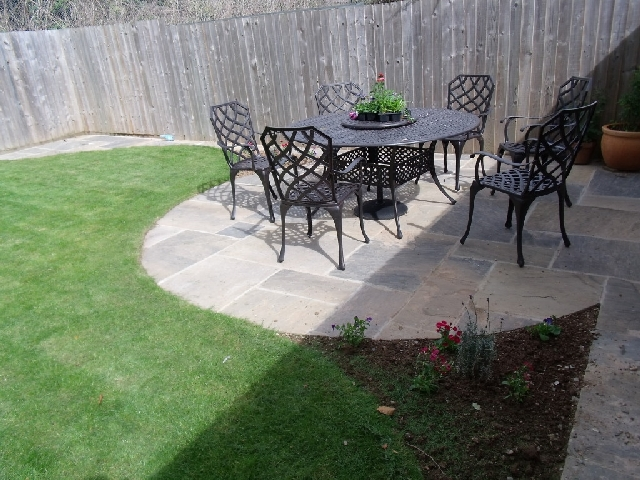 4 sizes. Circle patio seating area